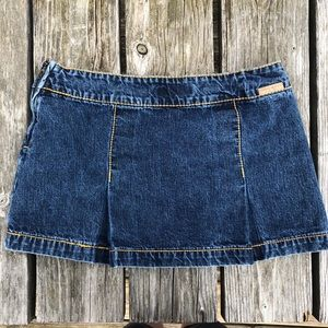 🆕List! Tommy Hilfiger Denim Pleated Skirt! EUC!
